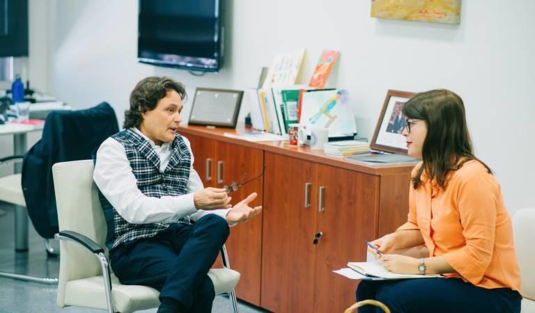 VALENCIA PLAZA: Kristin Suleng, premio Periodismo Sanitario 2018 por denunciar los peligros de la bioneuroemoción