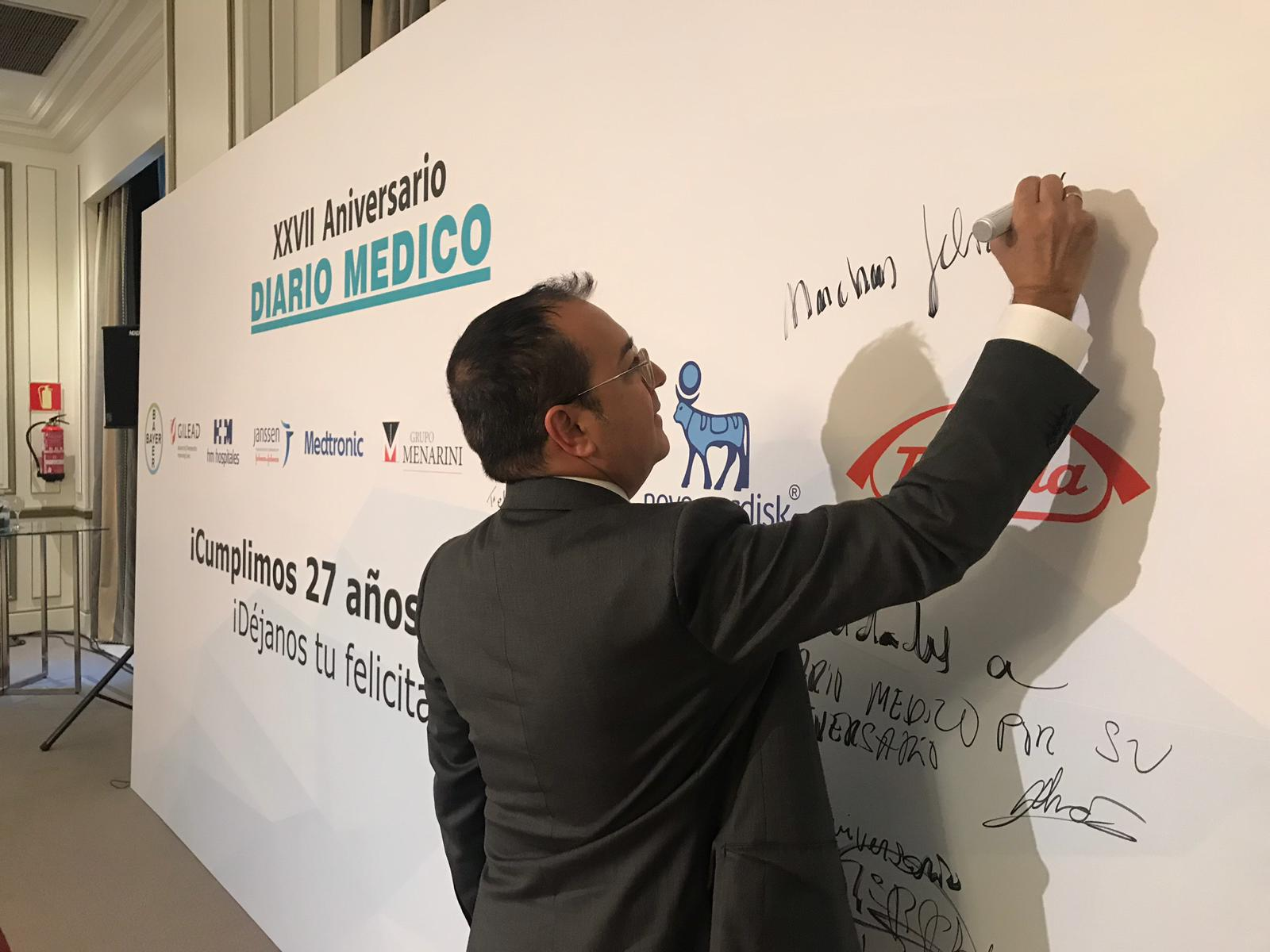 Carlos Fornes asiste al XXVII aniversario de Diario Médico