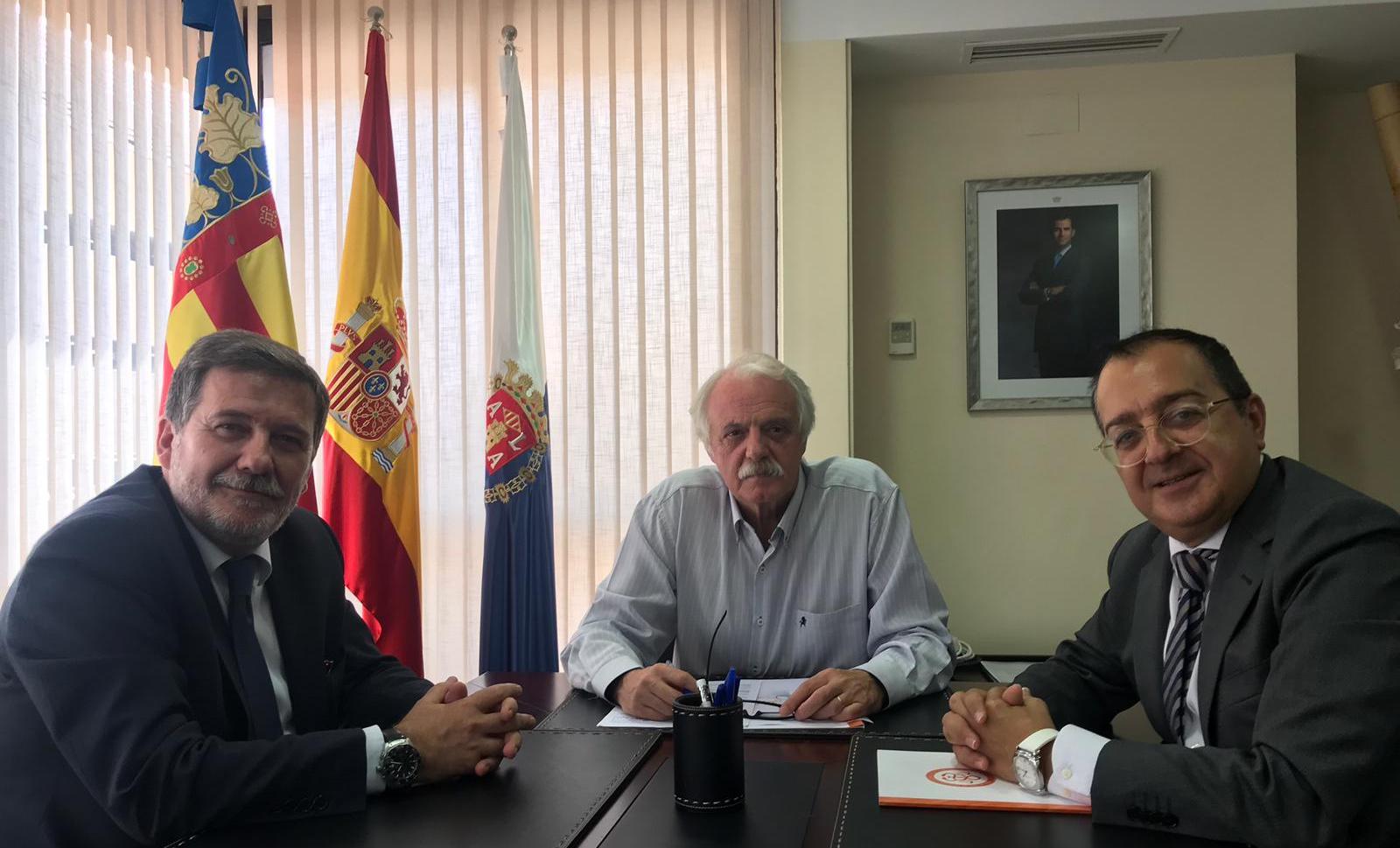 Carlos Fornes se reúne con el presidente del Colegio Oficial de Odontólogos y Estomatólogos de Alicante
