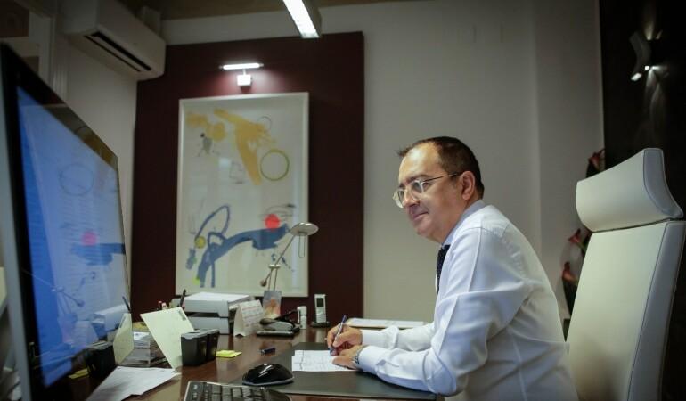 EL MUNDO: Carlos Fornes: «Las condiciones laborales en la sanidad abocan a una medicina judicializada»