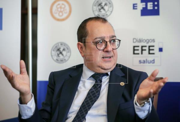 AGENCIA EFE: La Asociación de Derecho Sanitario ofrece asesoramiento legal a los profesionales por su labor en el Covid