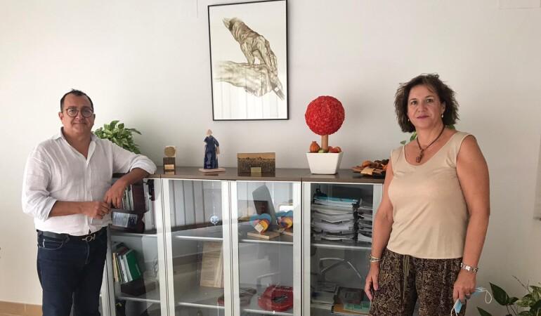 Carlos Fornes se reúne con la presidenta del Colegio de Enfermería de Alicante